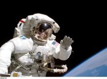 slapinimasis-kosmose