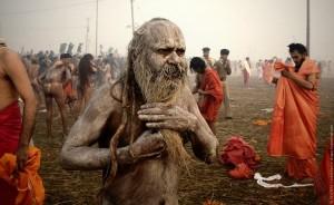 Kanibalizmas buvo priskiriamas daugeliui genčių ir tautų praeityje, bet kanibalizmo laipsnis, kuris tuomet iš tikrųjų pasireikšdavo ir buvo socialiai sankcionuojamas, dabar yra ypač prieštaringa antropologijos tema. Kai kurie antropologai įrodinėja, kad kanibalizmas beveik neegzistavo ir tvirtina tai su kraštutiniu skepticizmu, o kiti įtikinėja, kad ši praktika besivystančiose visuomenėse buvo paplitusi. Keletas archeologų tvirtino, kad kai kurios iškasenos Amerikos pietvakariuose įrodo kanibalizmo buvimą. Individualūs atvejai kitose šalyse parodė, kad kanibalizmas reiškėsi tarp psichiškai nestabilių žmonių, tarp nusikaltėlių ir, nepatvirtintais gandais, tarp religinių fanatikų.