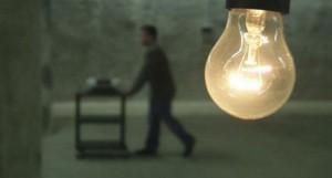 samokslas-pries-lemputes