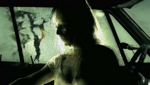mergina-vaiduoklis-automobilis