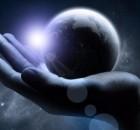visatos-pagrindas-ranka