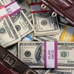pinigai-lagaminas