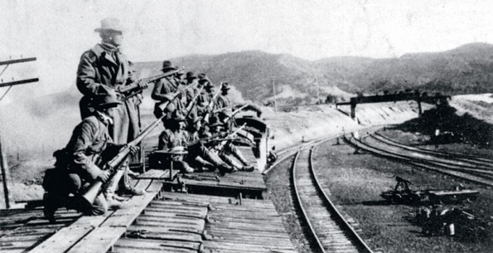Kolorado valstijos milicija ruošiasi atakuoti šachtininkus