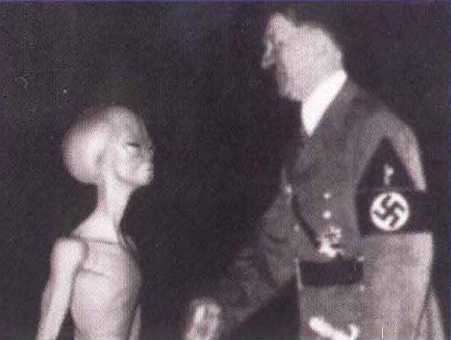 hitler-alien