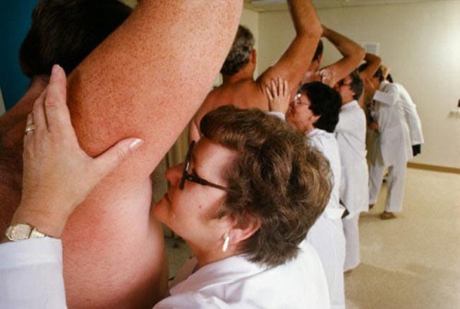 armpit-smelling