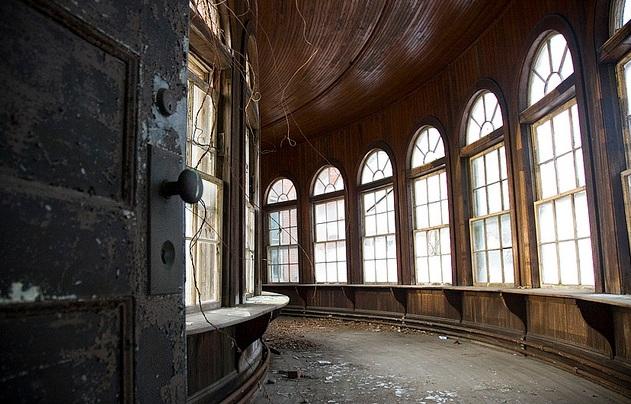 © hauntedhovel.com