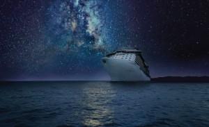 laivas-naktis-turistai
